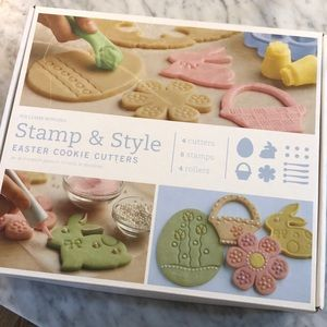 NEW IN BOX - Williams Sonoma cookie cutters